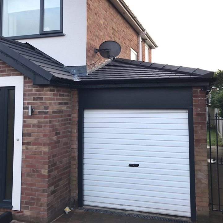 Porch and garage in Doncaster